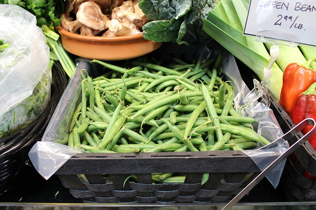 green-beans-with-basil-and-tomatoes